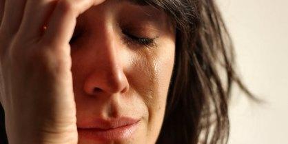 1128-mujer-llorando